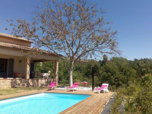 Villa d'ambiance contemporaine - Salernes