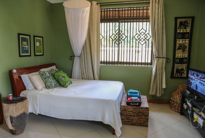 Cozy Entebbe Studio near Airport - Entebbe