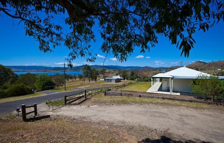 Somerview Cottage - Lake Somerset - Hazeldean