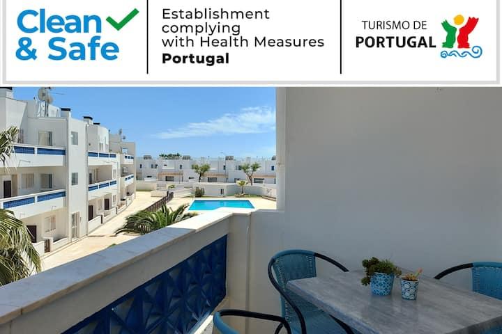 Apartamento T2 com piscina e perto da praia