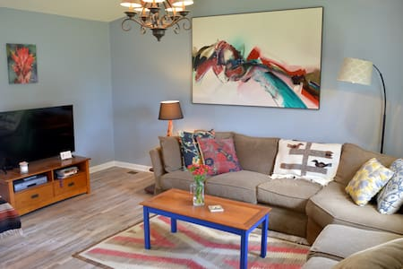 Paintbrush House - 2BR/2BA in Downtown Cody