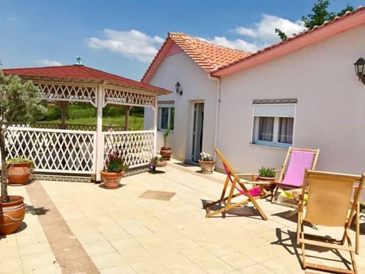 Private Villa with huge veranda and amazing view!