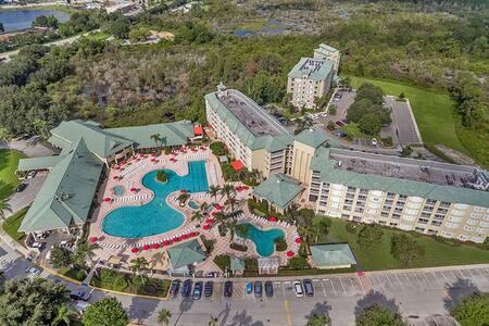 In the heart of Disneyworld at Silverlake Resort