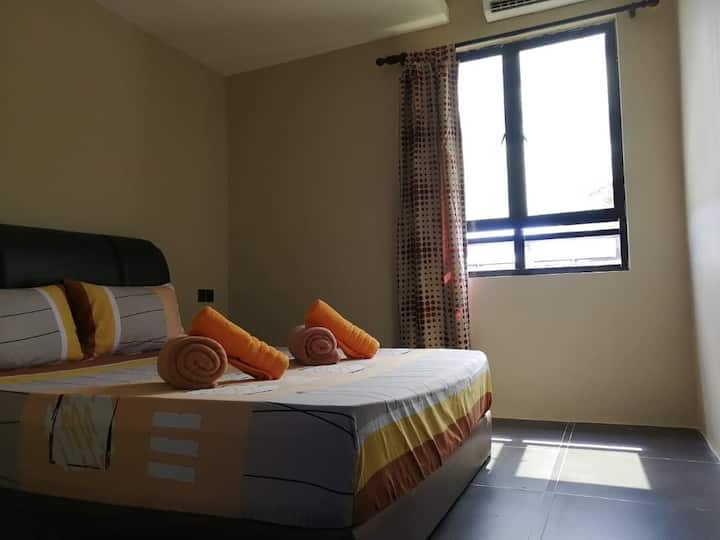SH211 (Queen Bed) - 2 persons