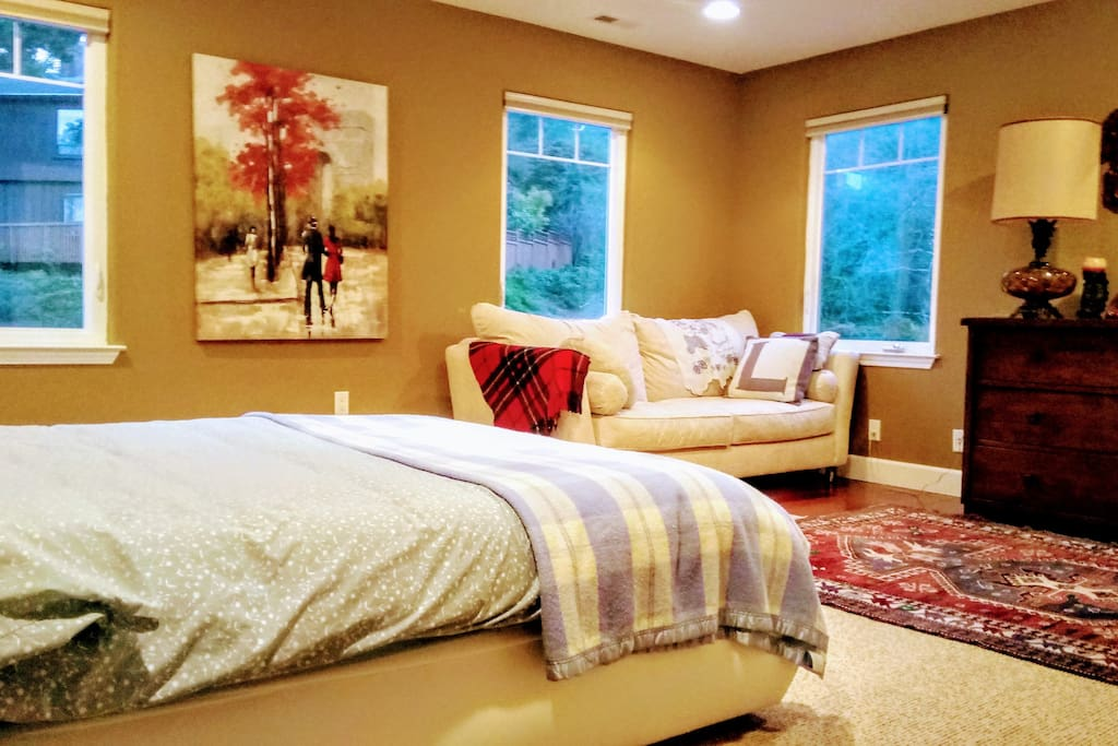 Large Bedroom With En Suite Bathroom Houses For Rent In Oakland California United States