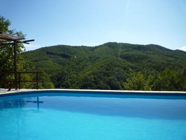 Agriturismo Fraseneggi nabij  Cinque Terre, pool