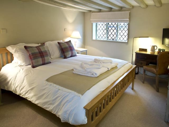 Double bedroom in the historic Anchor Inn