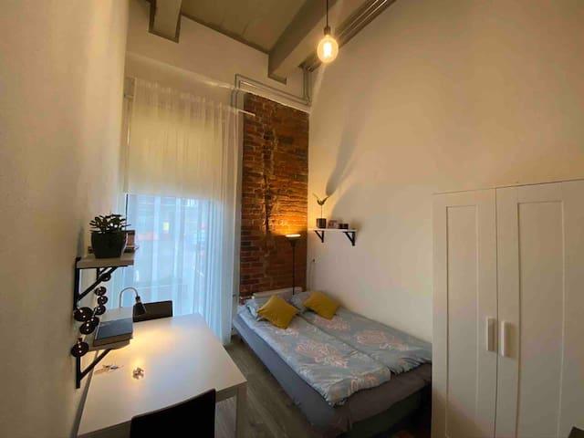 105 Unique, quiet and cozy studio near city center