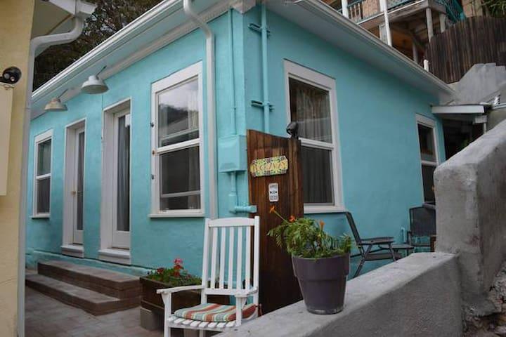 Tuckaway Cottage - Bisbee - Hus