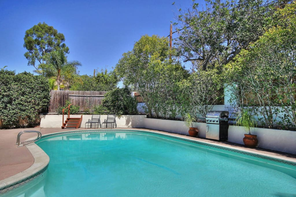 Pool, bbq, outdoor dining, spa