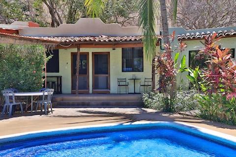 Poolside cottage, sleeps 2+, location location etc