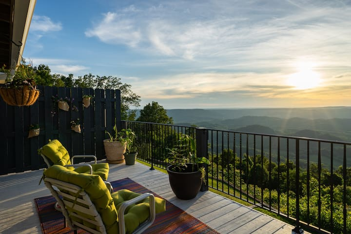 Lookout Mountain Brow Home.  The Sunset House.