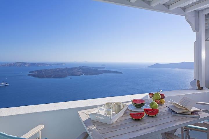 Villa Rose in Santorini withpool/Jacuzzi