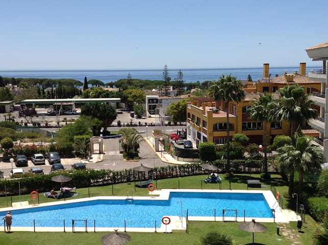 APTO MARBELLA, MILLA DE ORO,VISTAS,WIFI, PARKING