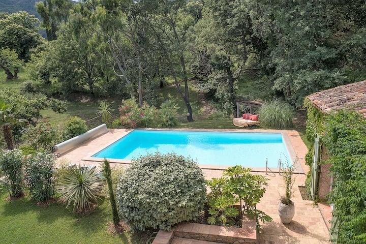 Chambre superieure vue Jardin, piscine chauffée