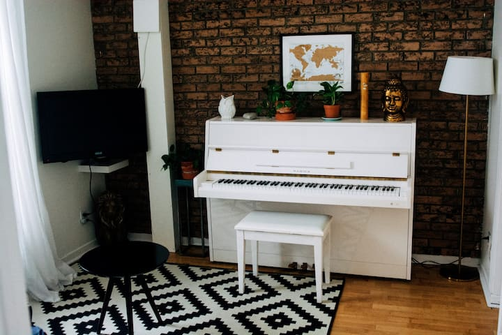 The White Piano - Charming Appartment - Downtown