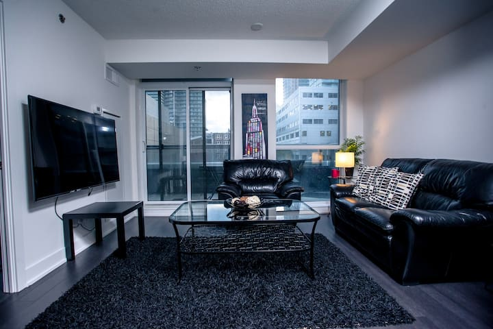 Luxurious 2 bed Entertainment Area *