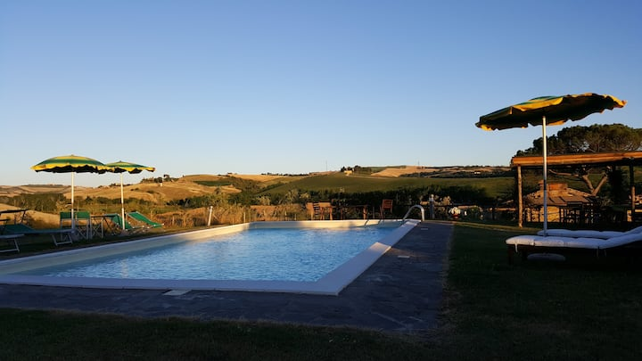 """Casa Vacanze con piscina """"Lavanda""""."""