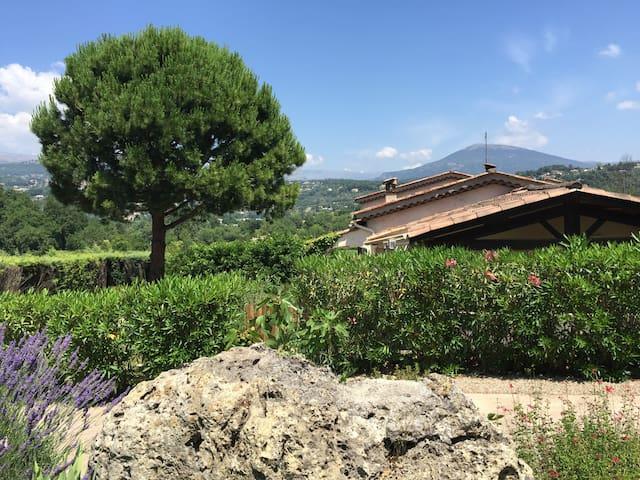 Independent appartment-suite in Valbonne/Opio