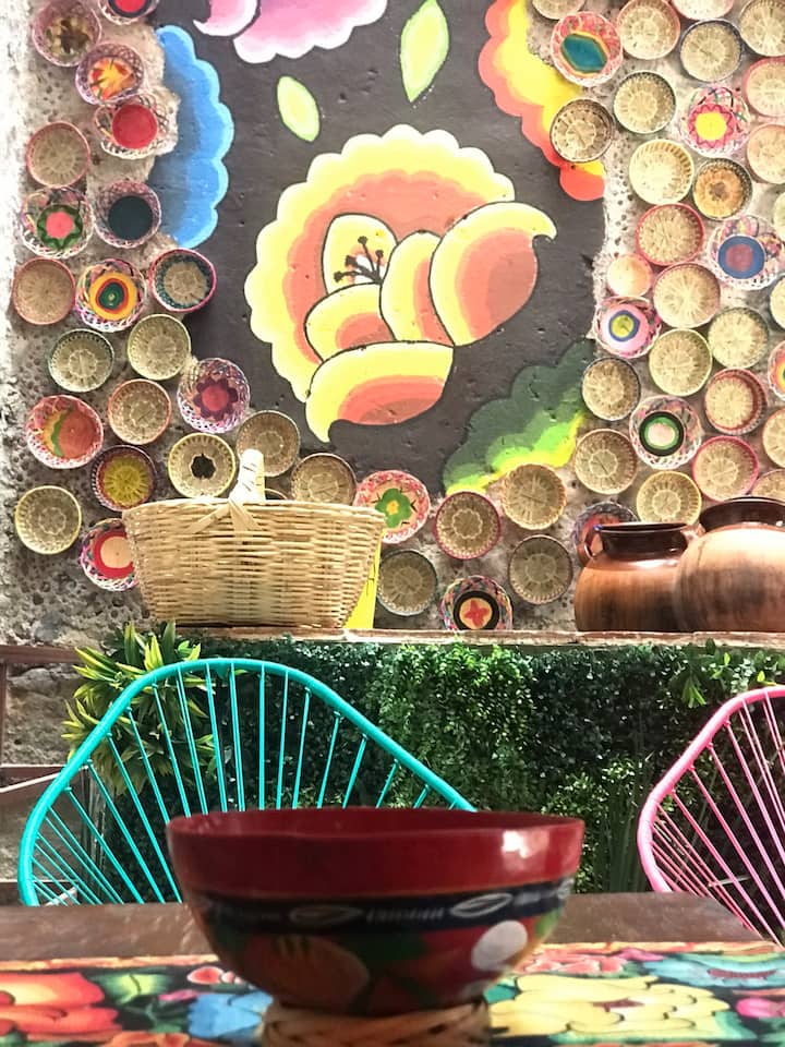 Oaxaca receive us with colorful ambience