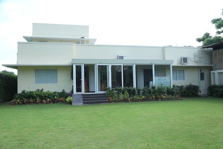 Entire Space/Jaipur/Cedar Hotel/Centrally located