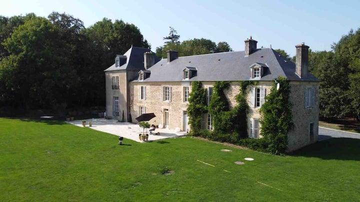 La Maison Villeneuve - château de charme - entier