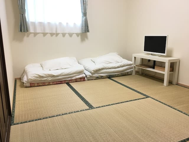 10min walk to Himeji Castle,Private Room for 1-2