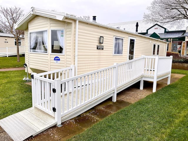 Greenan Village 97 - Willerby Rio Gold - CTDCH