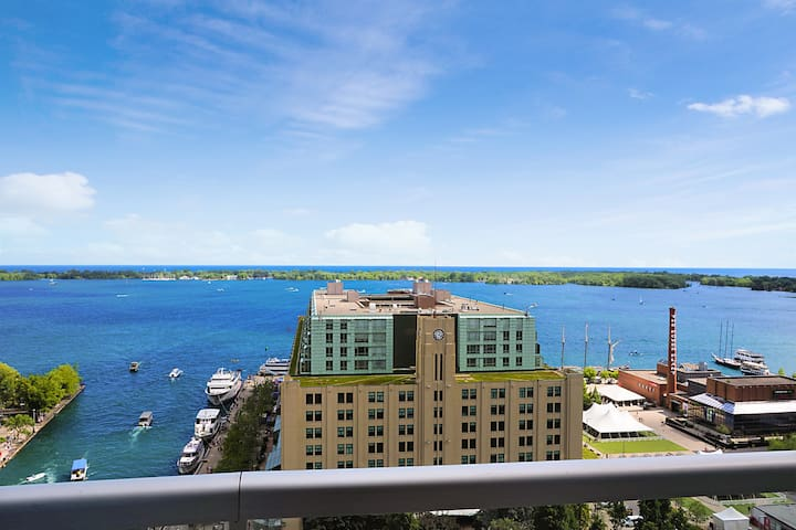 PRIME WATERFRONT LOCATION WITH STUNNING LAKE VIEW