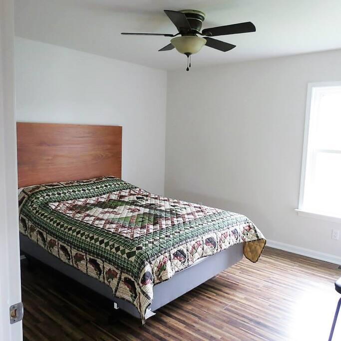 All luxury cabins main floor bedroom