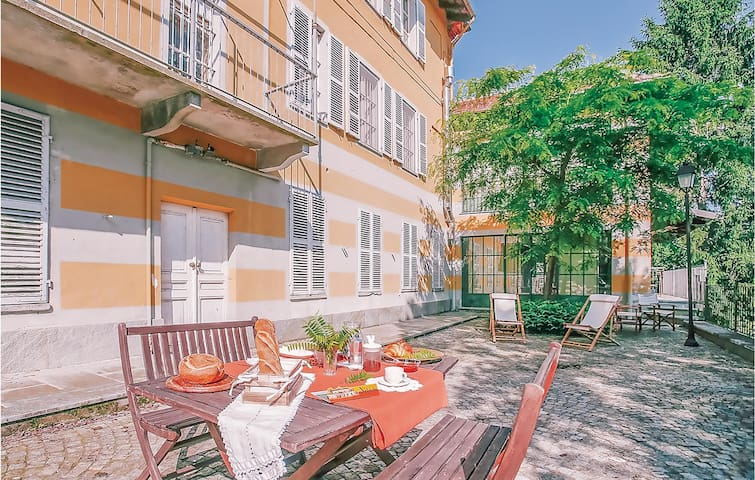 Holiday apartment with 1 bedroom on 50m² in Portacomaro d´Asti AT