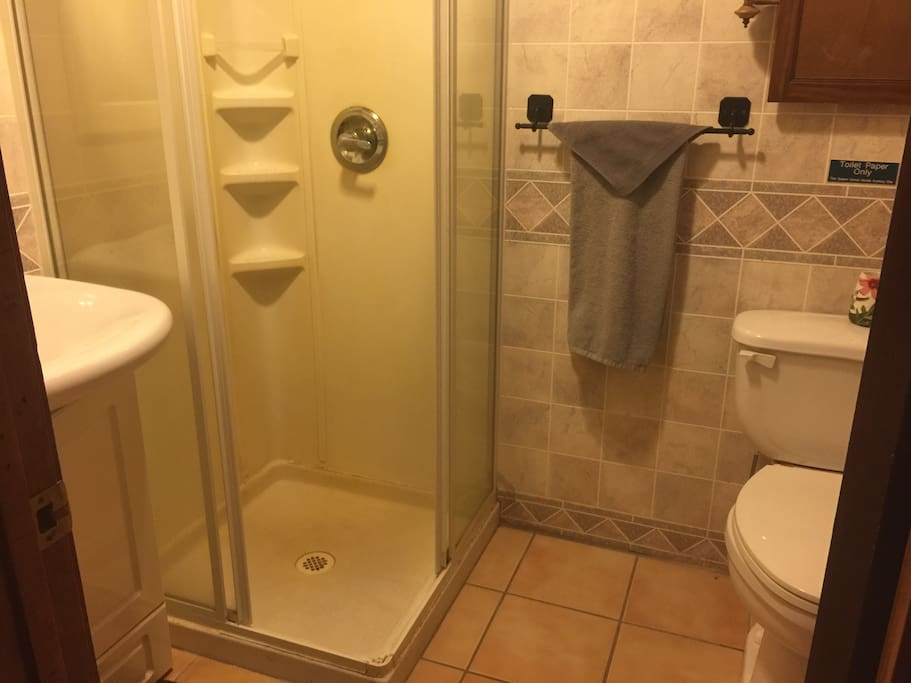 Bathrooms with showers