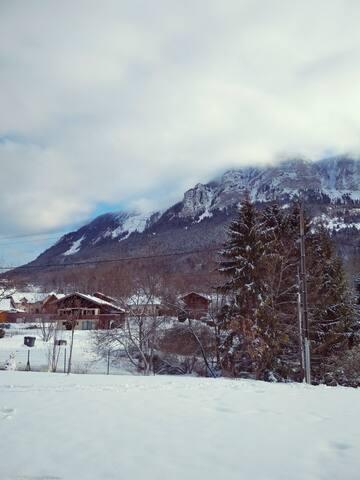 Chambre à 5 min des pistes de ski