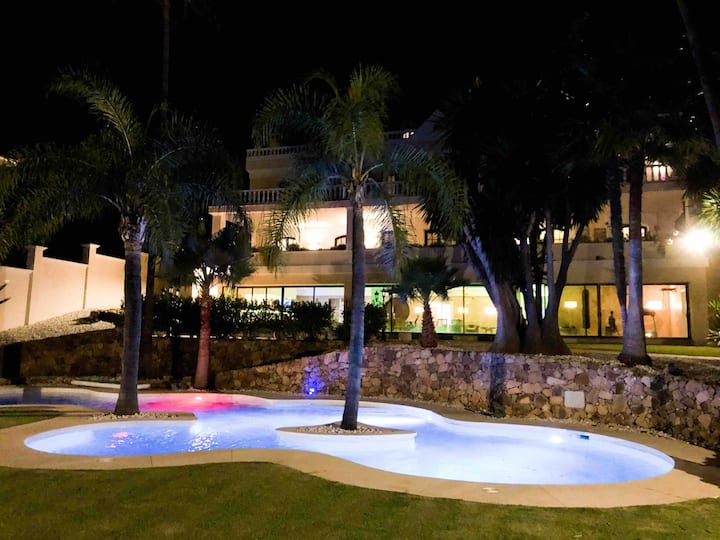 Huge Golf villa with one of Marbella biggest spas