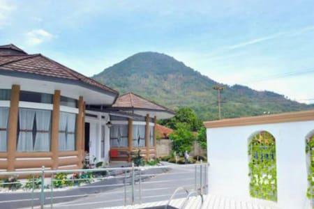 Villa Ikan Garut