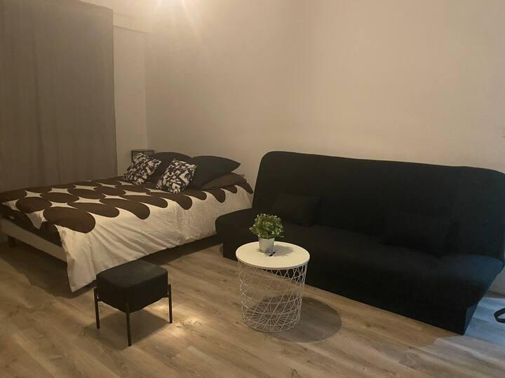 Studio neuf meublé à 10min du centre ville