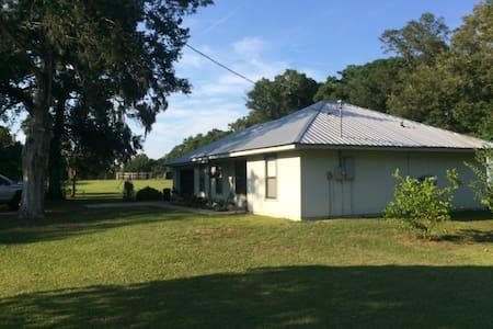 Quiet Farm on 10 Acres - Anthony