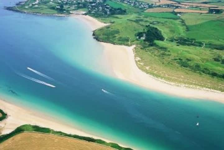 Padstow, sw coastal path,   7 beaches, HUGE rooms!