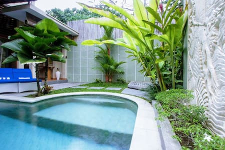 Seminyak Beach 3 Room Villa With Pool, Sleeps 6