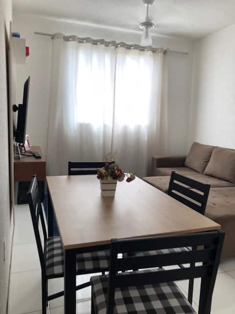 Apartamento 2/4 aconchegante em condomínio fechado