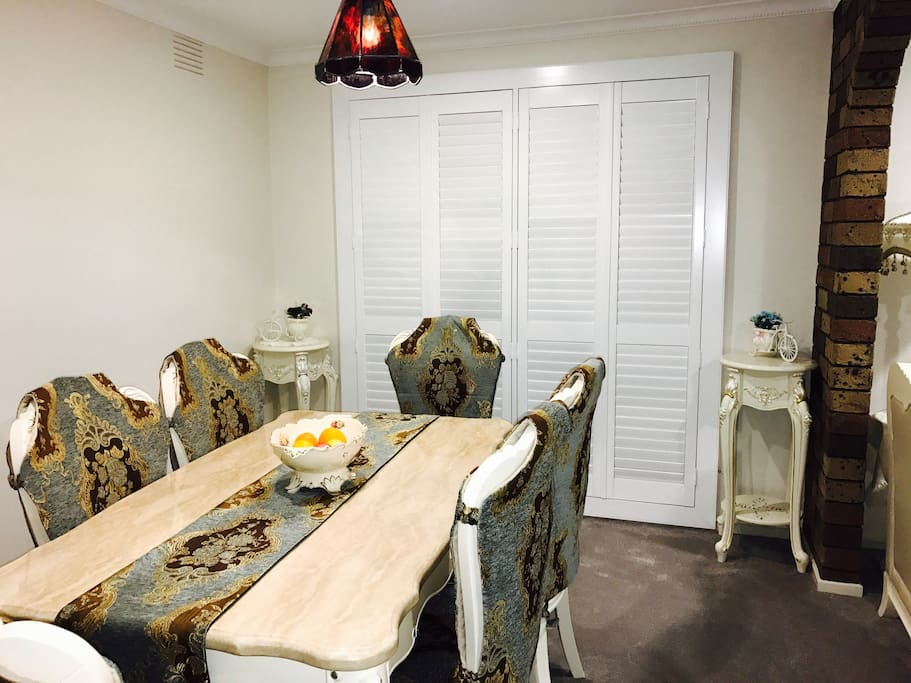 mooroolbark singles Great for singles 24/8-10 mount view parade, mooroolbark, vic 3138 1 bed 1 bath 0 car 1 bedroom 2nd level apartment perfect for a single person located within a .