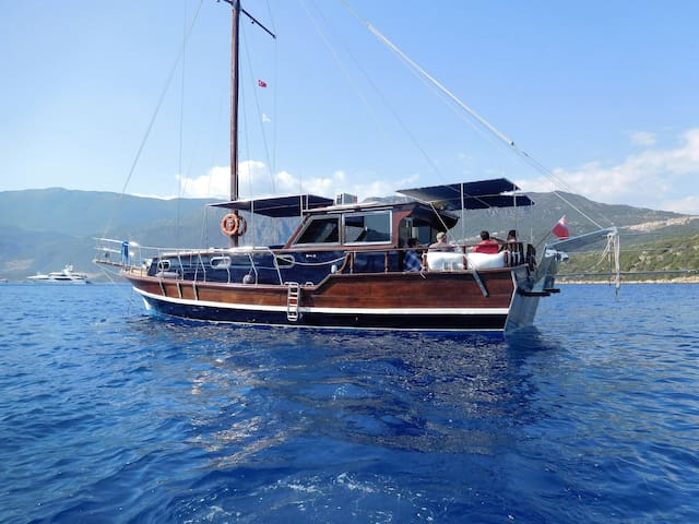 Beautiful Turkish gullet. Situated in kas marina. - Kaş - 船