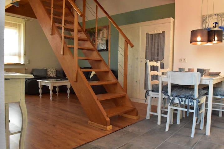 Maisonette Wohnung mit Balkon in Kronau