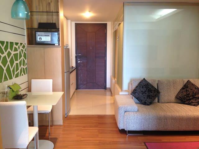 Nice room, full facility, mid town - Bangkok - Flat