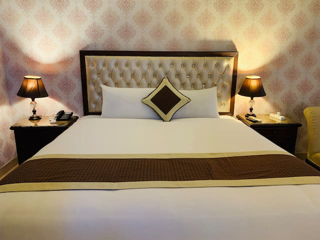 Luxury Rooms Near Jail Road, Lahore
