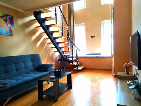 唐人公寓精装复式落地飘窗给您一个温馨家园B