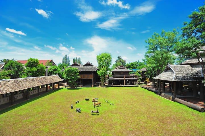 Lanna house & Rice Barn Heritage 2 - Saraphi - Willa
