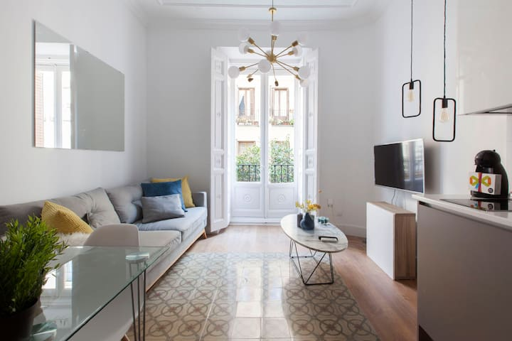 CENTRIC MALASAÑA⭐ CHARMING DESIGN ⭐EARLY CHECK IN