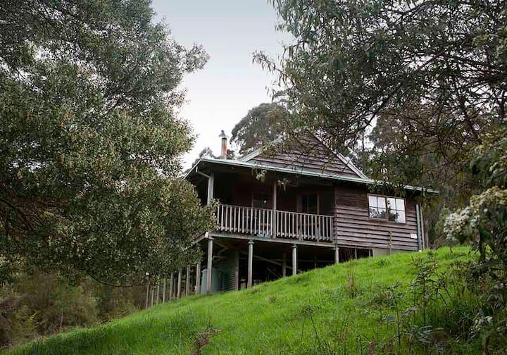 Tall Trees Retreat, Satinwood Cottage