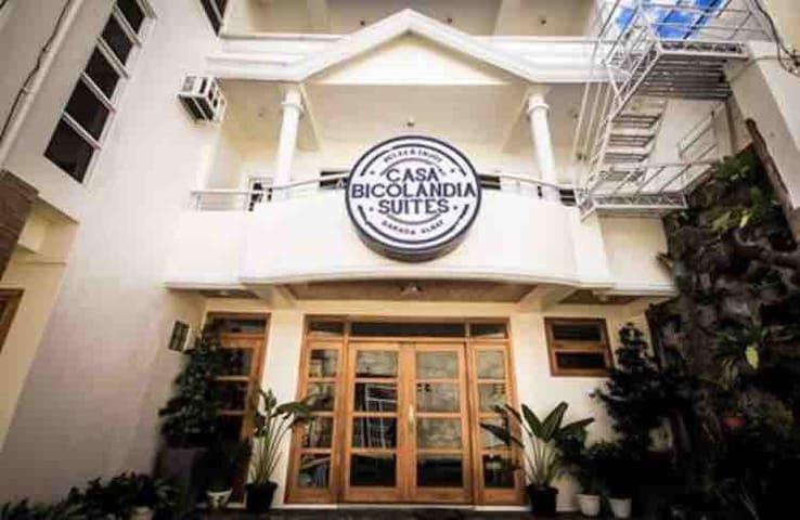 Casa Bicolandia Suites - Family Suite Room